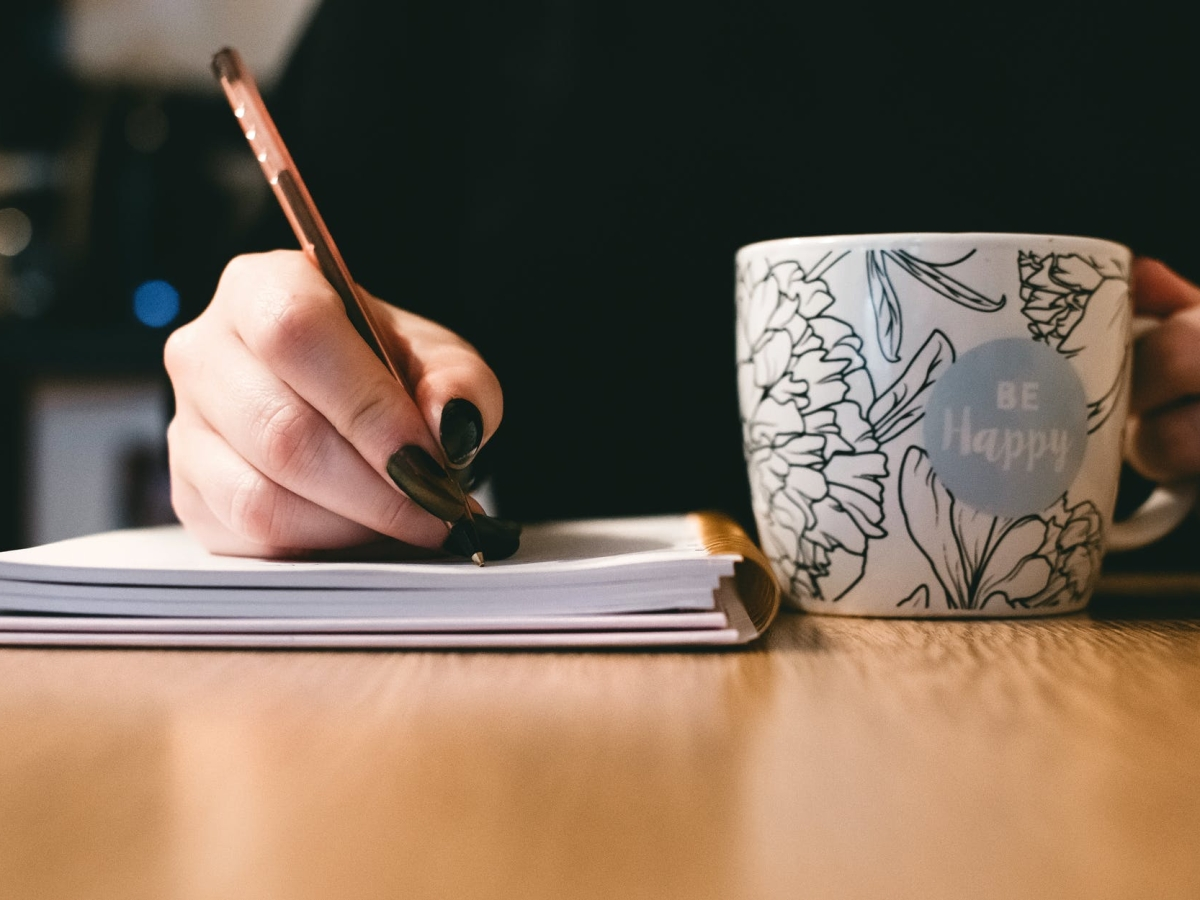 be happy mug and writing